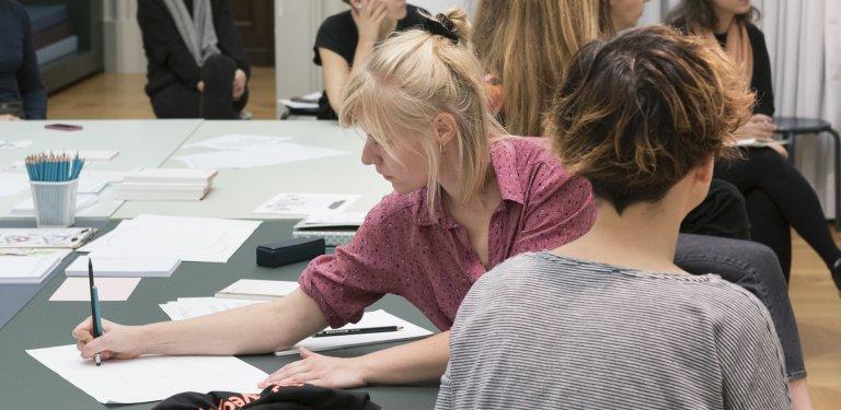 Jetzt bewerben! Volontariat im Referat Bildung, Vermittlung und Besucherdienste – © SMB / Ute Klein, 2019
